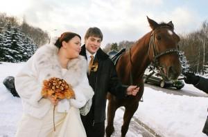 свадьбы зимой получаются самыми романтичными