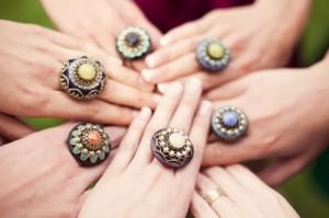 Выбираем одинаковые аксессуары для подружек невесты