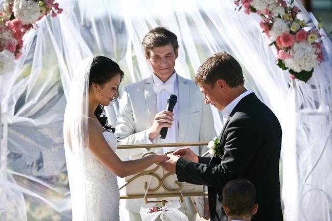 Когда играть свадьбу