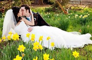 Весенние свадьбы и весенние цветы