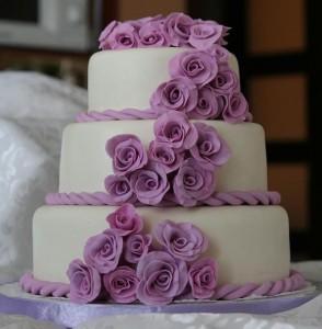 О том, какие свадебные торты самые модные