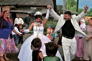 Что входит в обязательную программу свадьбы цыган
