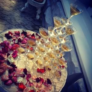Свадебная горка из шампанского - то, что нужно для отличного торжества