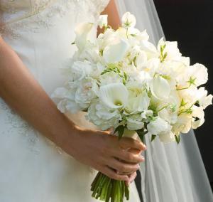 Свадебные букеты из фрезий: то, что нужно современной девушке