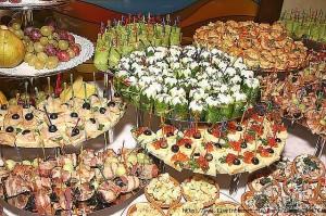 Европейские традиции: Оформление фуршета на свадьбу
