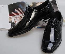 Мужская свадебная обувь: выбираем по сезону