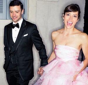 Stars wedding. Джессика Бил задает новыю моду на розовые свадебные платья