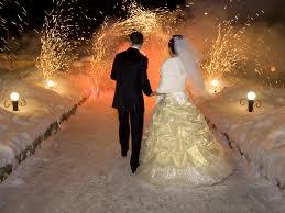 Свадебный салют - непеременный аттрибут свадьбы