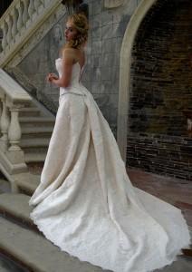 Свадебные платья с длинным шлейфом - мечта любой невесты