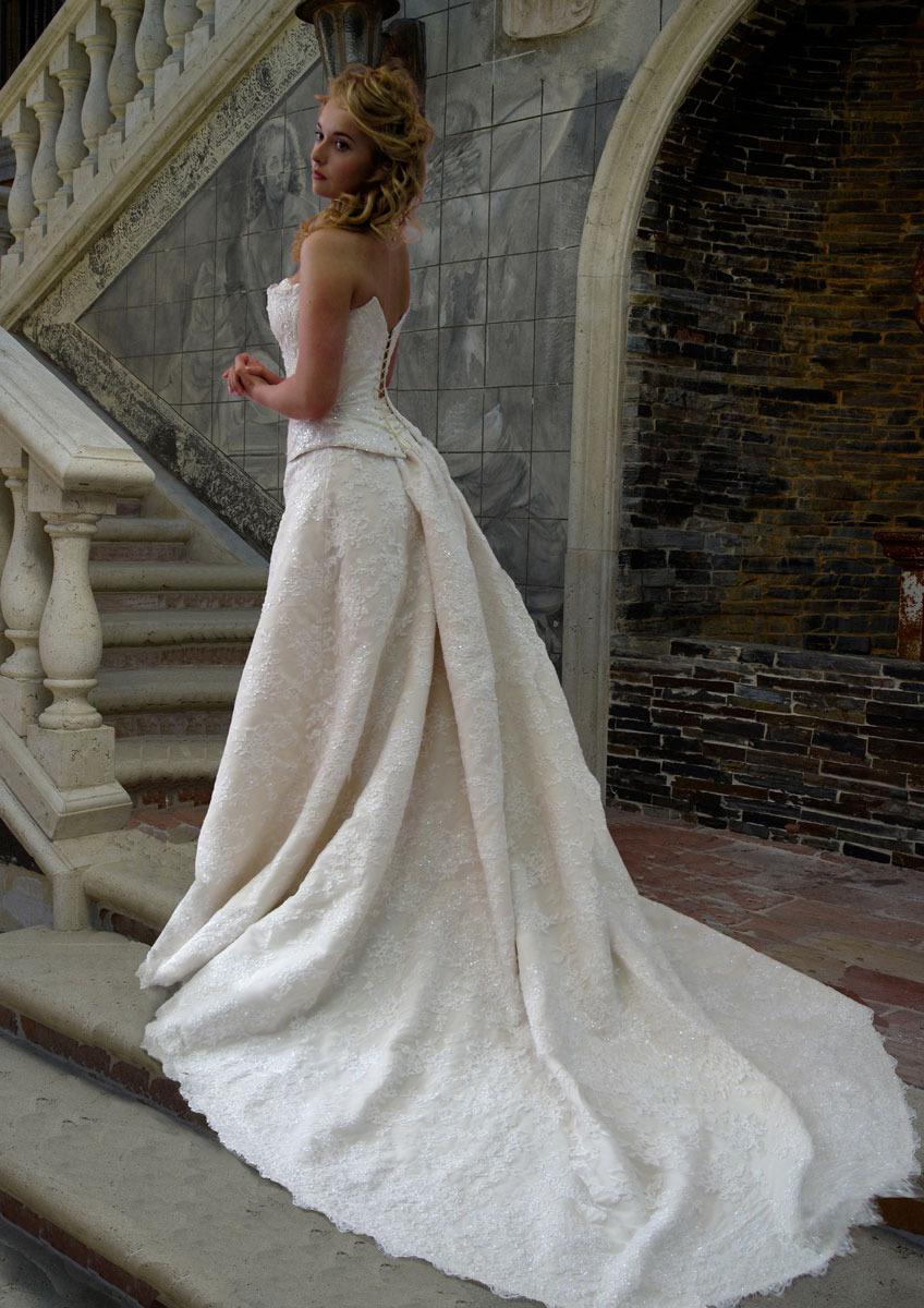 Когда нужен шлейф на платье