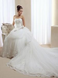 свадебные платья со шлейфом: как правильно подобрать длину шлейфа