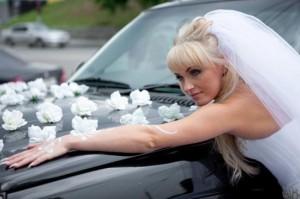 Свадебные украшения на машину купить или сделать своими руками