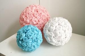 Новомодное украшение свадьбы шар из роз по силам изготовить своими руками