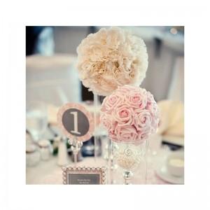 Свадебный шар из роз несложно сделать своими руками