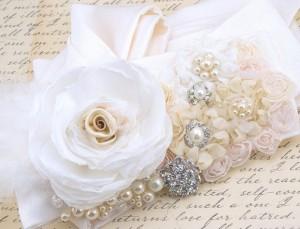 Свадебный пояс- любимый аксессуар многих дизайнеров мира