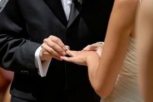 Невеста в раздумьях: брать или нет фамилию мужа