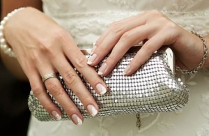 Клатч для невесты: необходимый аксессуар наряда