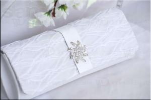 Как выбрать клатч для невесты