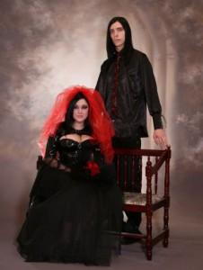 В готическом стиле бывают и свадьбы