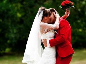Развлечение гостей во время свадебной прогулки