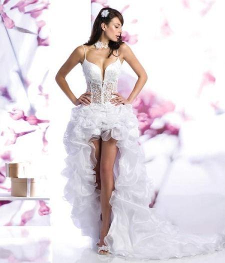 Свадебные платья с корсетом- модно и стильно