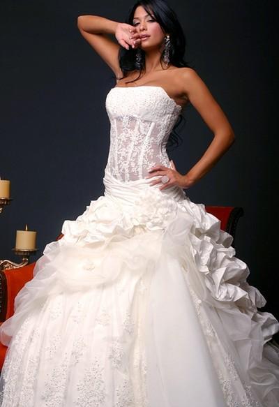 Сексуальное свадебное платье с корсетом
