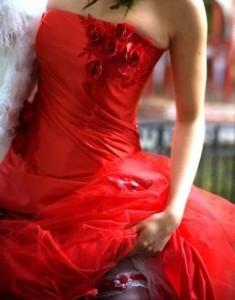 Красное свадебное платье: купить или подумать о том, чтобы взять напрокат
