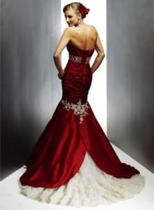Красное свадебное платье: купить или все таки взять напркат в салоне?