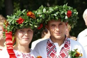 Омск: свадьба в древнерусском стиле снова в моде
