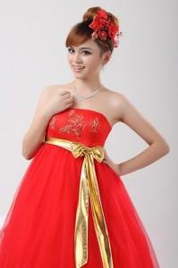 красное платье для невесты в положении