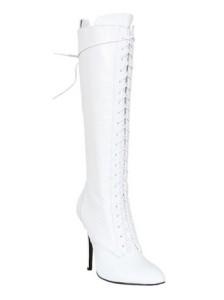 белый сапог со шнуровкой