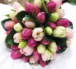 Свадебный букет из тюльпанов - то, что нужно для образа невесты
