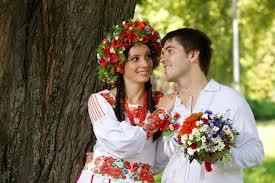 Свадьба в украинском стиле: какие наряды носили молодые