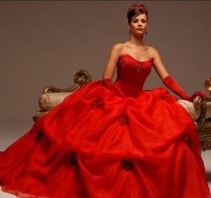 красный- цвет особенного свадебного платья