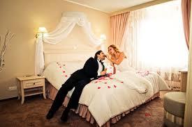 Провести первую брачную ночь в гостиннице