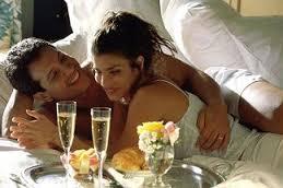организовуем первую брачную ночь: несколько вариантов