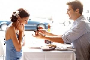 Романтичней предложения руки и сердца не бывает