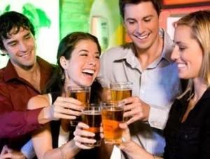 где познакомиться с парнем: на вечеринке друзей