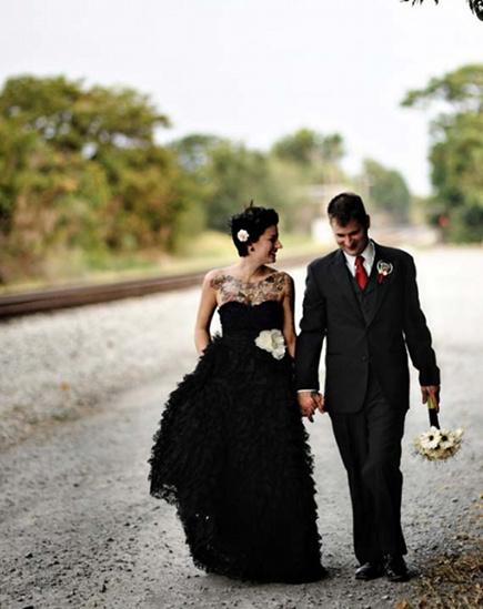знакомая в черном платье сонник