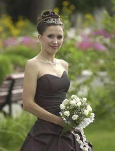 невеста в чёрном платье