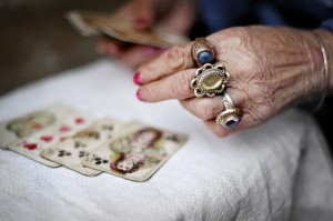 Несколько способов гадания на свадьбу: все карты Вам в руки