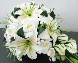 свадебный букет невесты-рака из лилий по знаку зодиака