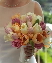 свадебный букет невесты по знаку зодиака из тюльпанов