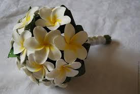 букет невесты по знак зодиака водолей из тропических цветов