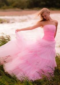 Розовое платье - цвет свадебного платья, особенно модного