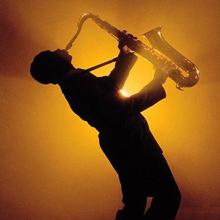 для самой романтичной свадьбы: звуки саксофона и только!