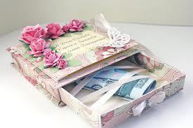 что принято дарить на свадьбу и как лучше преподнести подарок