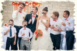 фотозона на свадьбе - отличное решение для развлечения гостей!