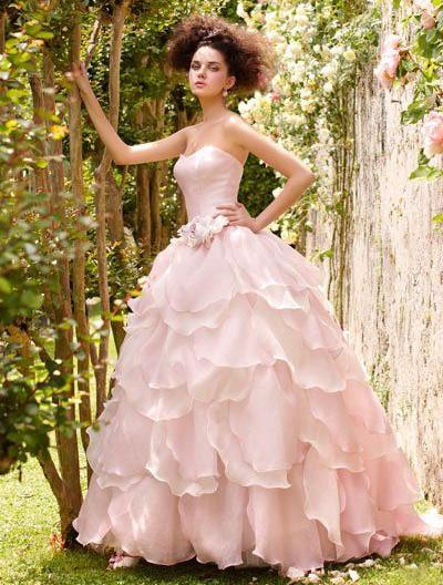 Свадебное платье розовое с бантом