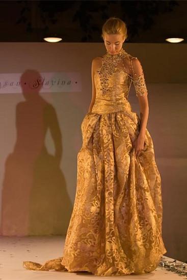 Свадебные платье золотое из выставки